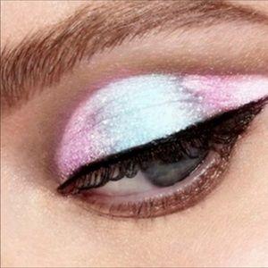 Duochrome Glitter & Glow Lqd Eyeshadow DIAMOND new